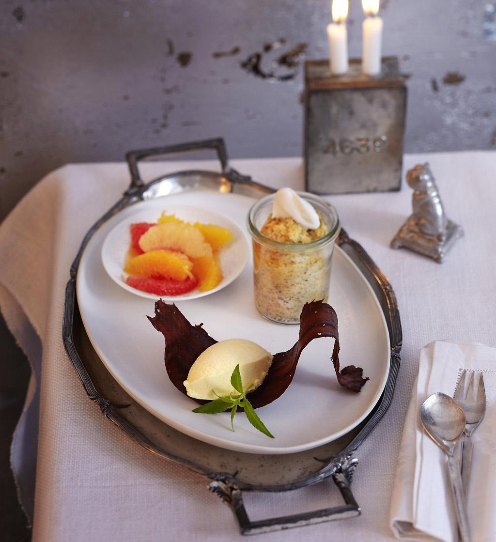 weihnachtliche desserts im glas essen und trinken. Black Bedroom Furniture Sets. Home Design Ideas