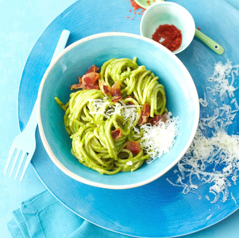 spaghetti mit avocadosauce rezept essen und trinken. Black Bedroom Furniture Sets. Home Design Ideas