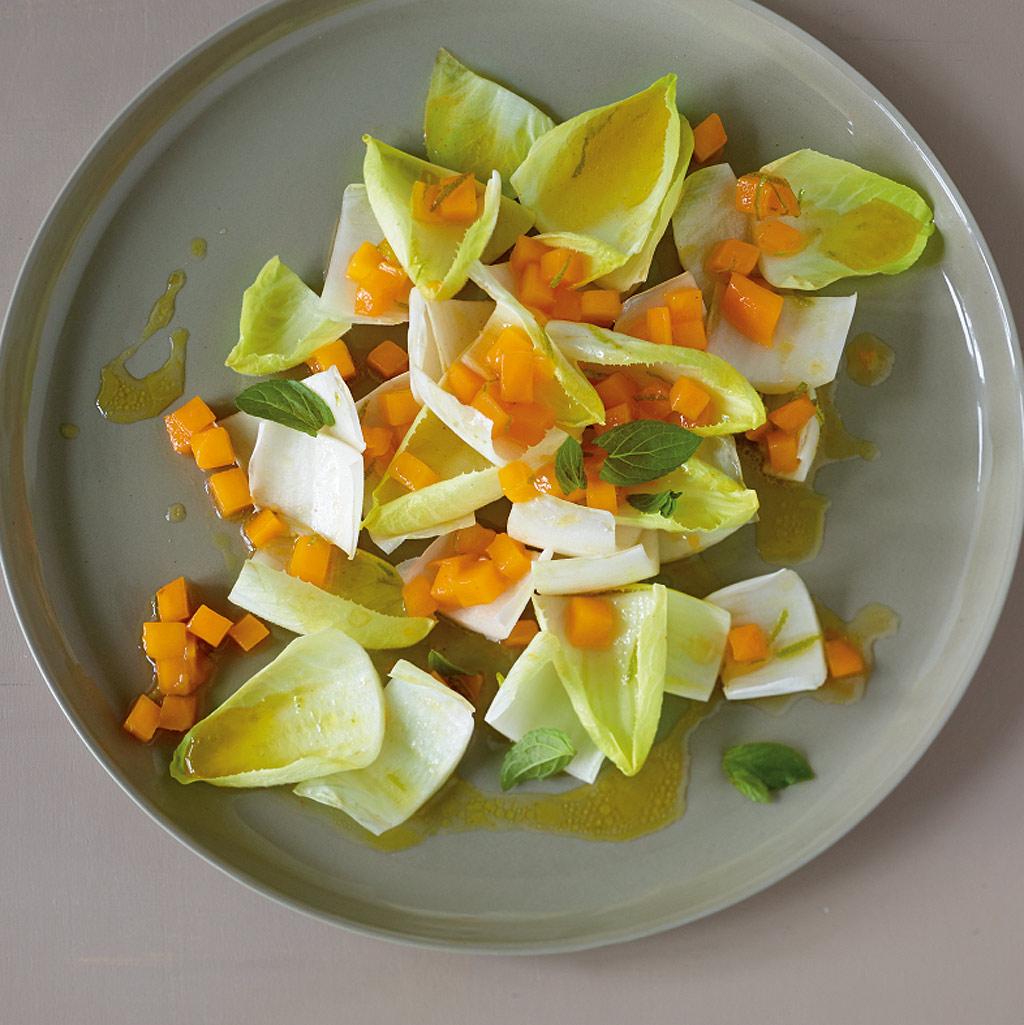 chicor esalat mit mango rezept essen und trinken. Black Bedroom Furniture Sets. Home Design Ideas