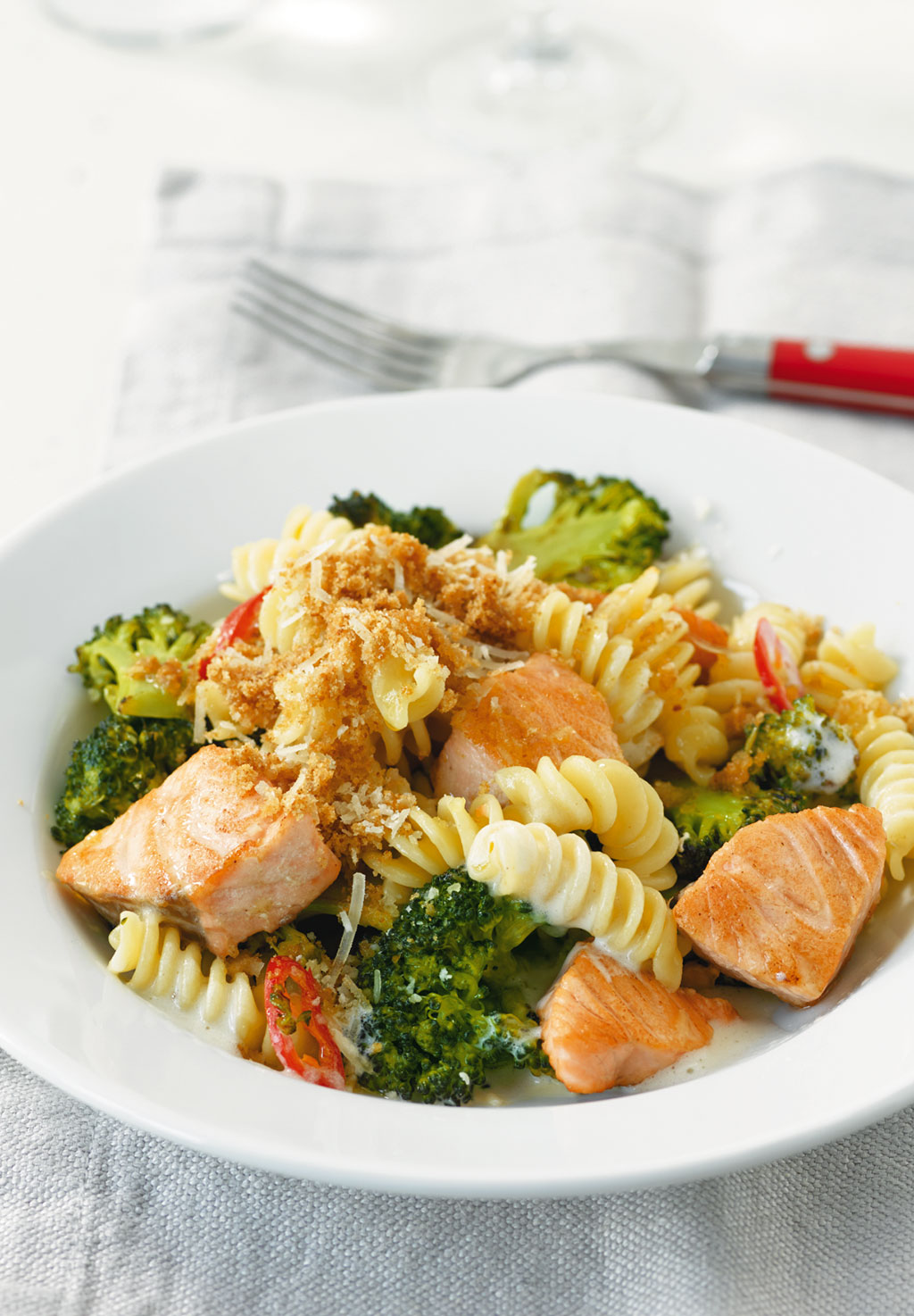 broccoli lachs pasta rezept essen und trinken. Black Bedroom Furniture Sets. Home Design Ideas