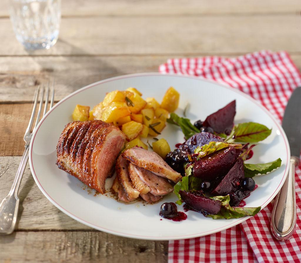 entenbrust mit rote bete salat rezept essen und trinken. Black Bedroom Furniture Sets. Home Design Ideas