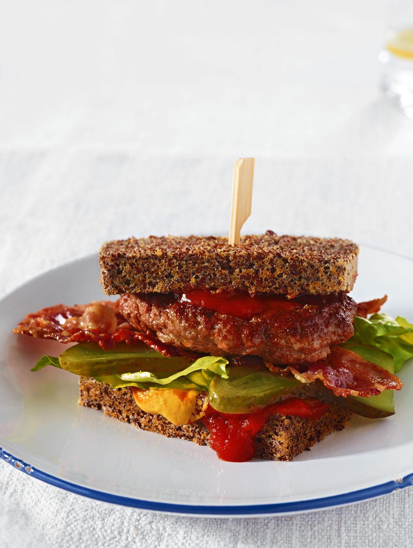 frikadellen speck burger rezept essen und trinken. Black Bedroom Furniture Sets. Home Design Ideas