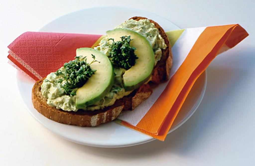 avocado brot rezept essen und trinken. Black Bedroom Furniture Sets. Home Design Ideas