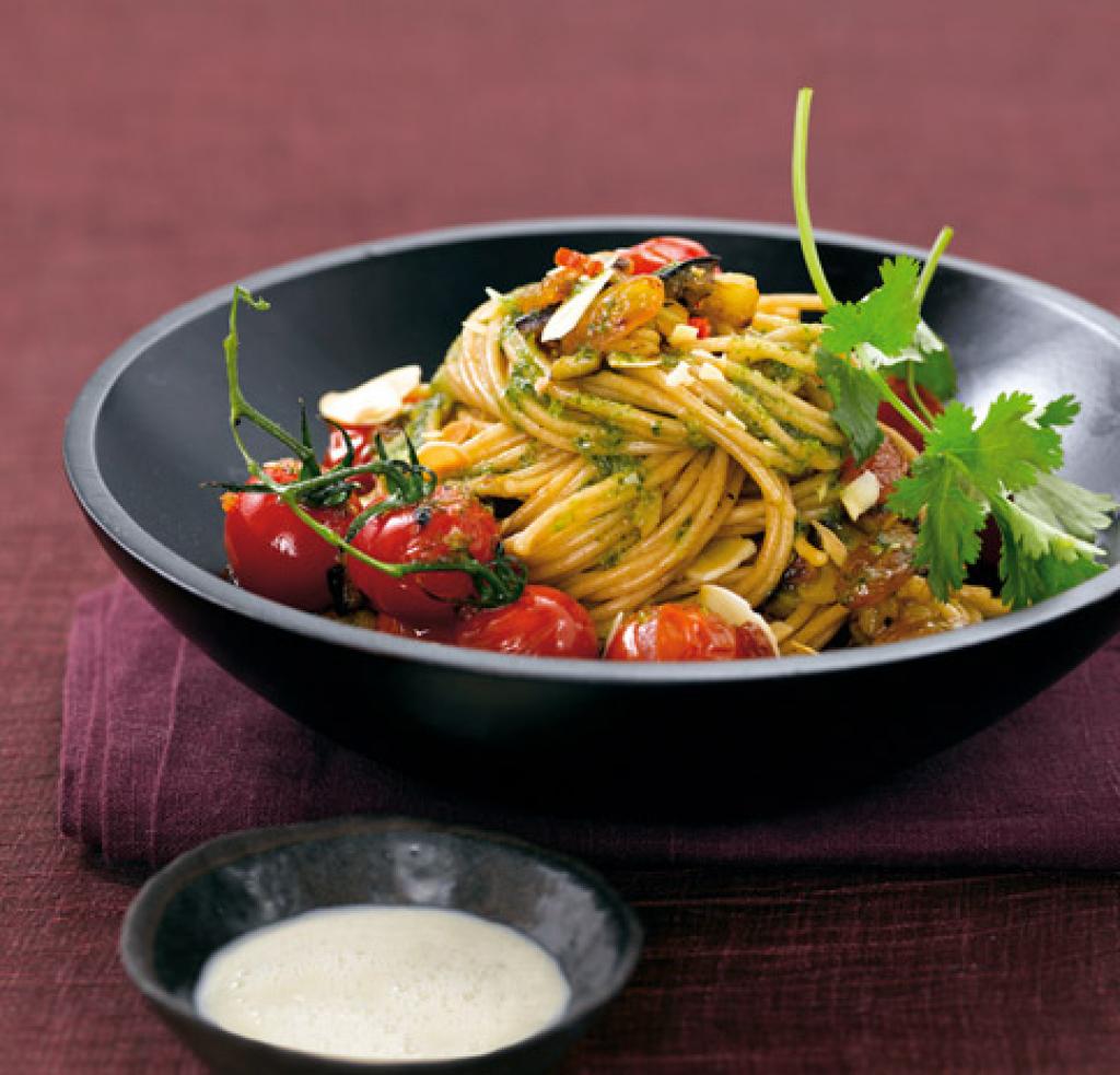gem se spaghetti mit kohlrabisauce rezept essen und trinken. Black Bedroom Furniture Sets. Home Design Ideas