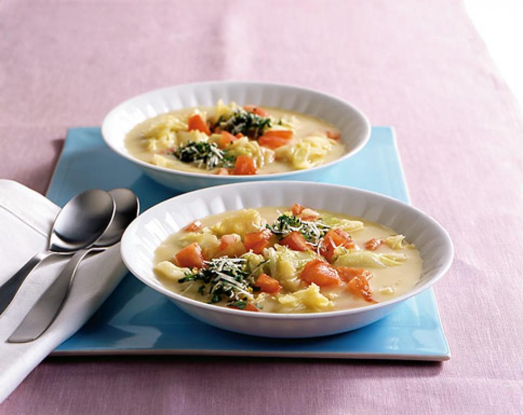 kartoffel wirsing suppe mit gremolata rezept essen und trinken. Black Bedroom Furniture Sets. Home Design Ideas
