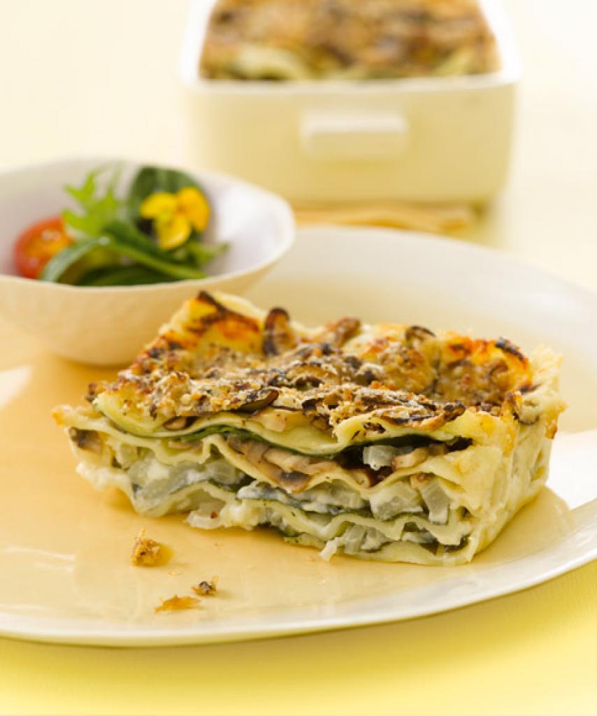 lasagne mit mangold und shiitake rezept essen und trinken. Black Bedroom Furniture Sets. Home Design Ideas