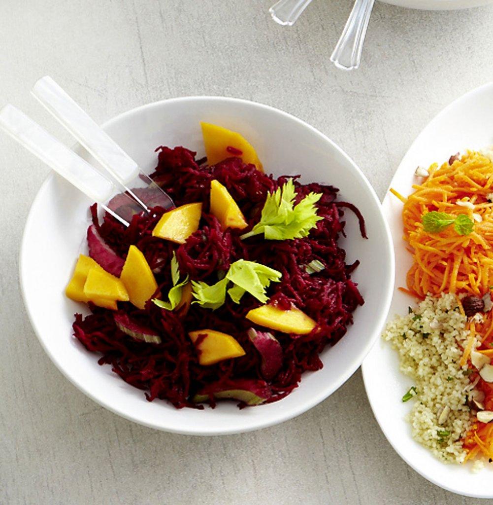 rote bete salat rezept essen und trinken. Black Bedroom Furniture Sets. Home Design Ideas