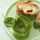 Crostini mit Spinat-Pesto