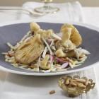 Selleriesalat mit frittierten Pilzen