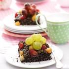Mohnkuchen mit Trauben