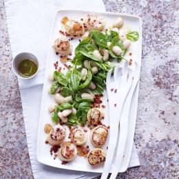 Bohnen-Spinat-Salat mit Jakobsmuscheln