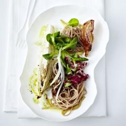 Dinkelnudeln mit Fenchel und Feldsalat
