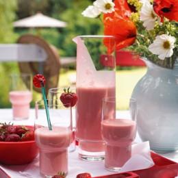 Erdbeer-Smoothie mit Joghurt