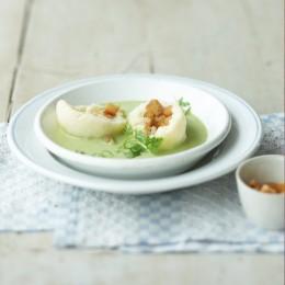 Kräutersuppe mit Kartoffelklößen