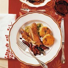 Schalotten-Confit und Steinpilz-Kartoffeltaler