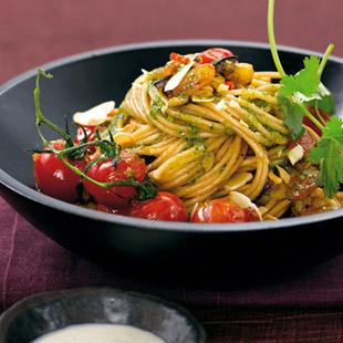 gem se spaghetti mit kohlrabisauce rezept essen trinken. Black Bedroom Furniture Sets. Home Design Ideas