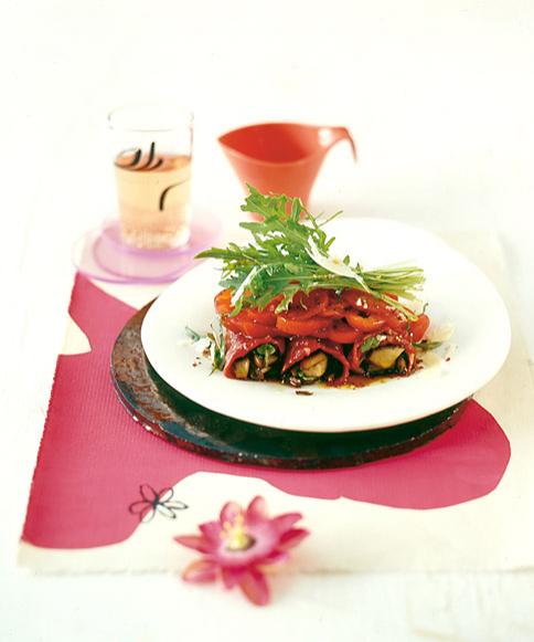 rinderfilet involtini mit tomatensalat gourmet rezepte mit rindfleisch 15 essen trinken. Black Bedroom Furniture Sets. Home Design Ideas