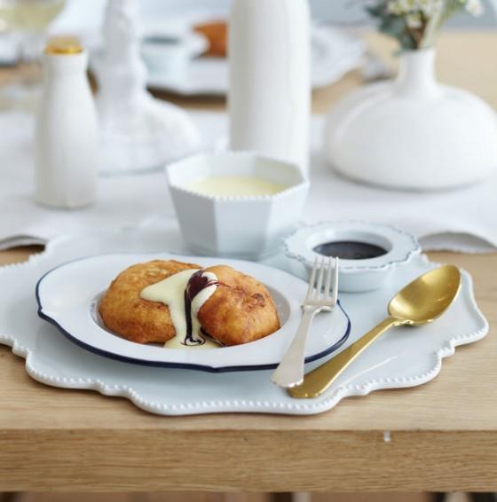 Apfel-Beignets mit Calvados-Schaumsauce