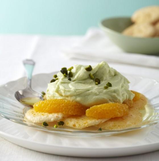 Avocadocreme mit Orangen-Löffelbiskuits