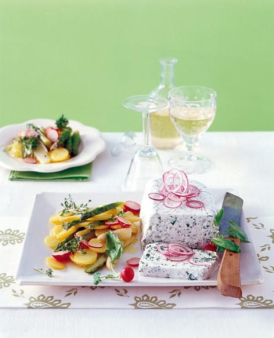 Bibbeleskäs-Terrine mit Spargelsalat