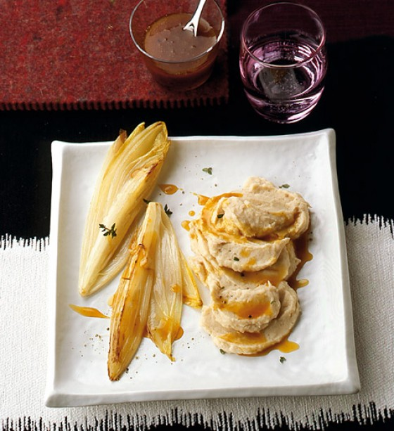 Bohnenpüree mit gebratenem Chicorée