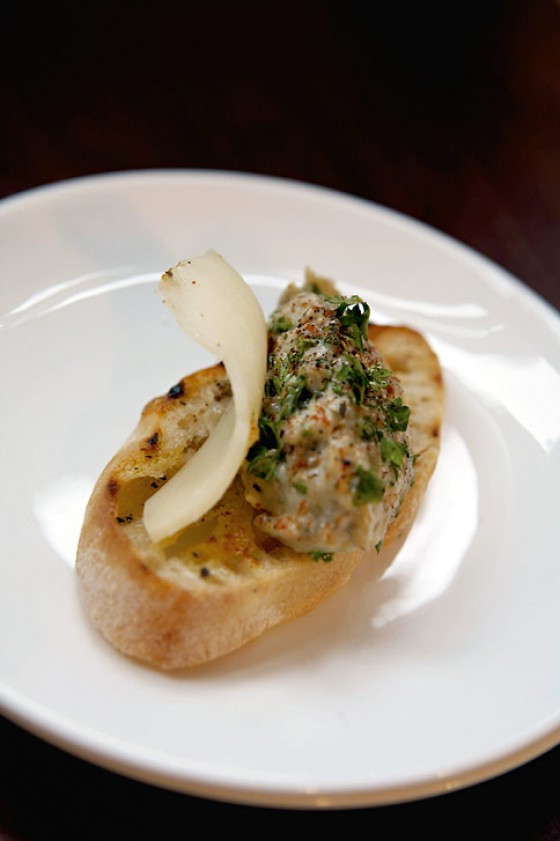 Crostini mit Auberginenpüree