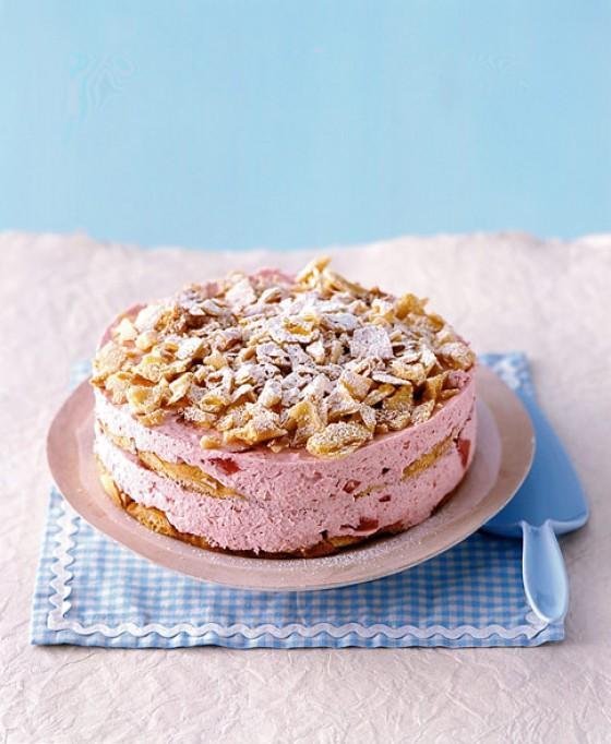 Erdbeer-Flöckchen-Torte