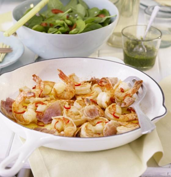 Garnelen mit Pesto und Spinatsalat