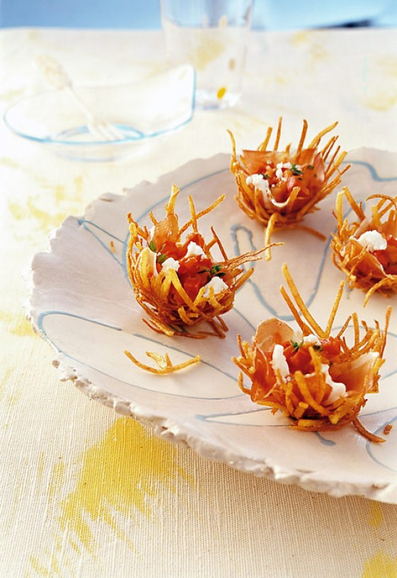 Kartoffelkörbchen mit Paprikakompott