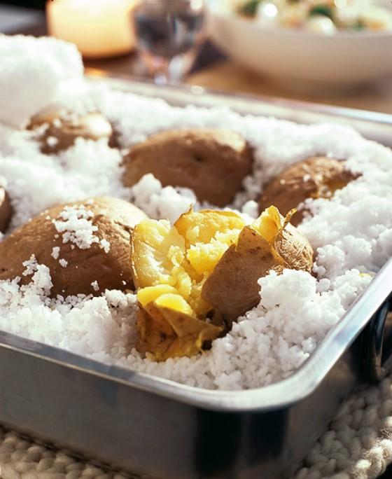Kartoffeln in der Salzkruste