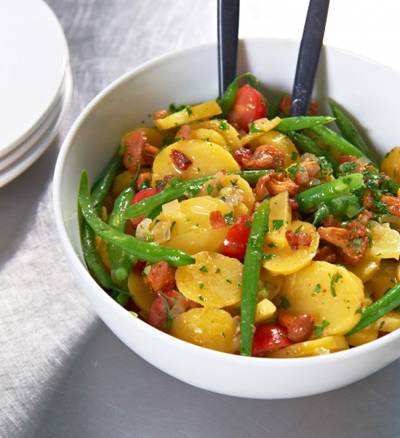 Kartoffelsalat mit Bohnen und Pfifferlingen