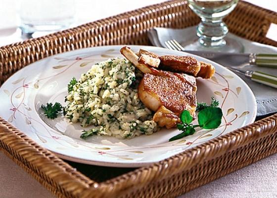 Kräuter-Risotto mit Lammkoteletts
