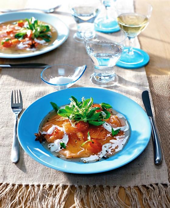 Lachscarpaccio mit Tomatengelee