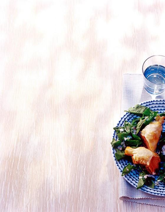 Lammfilet im Teigmantel mit Spinatsalat