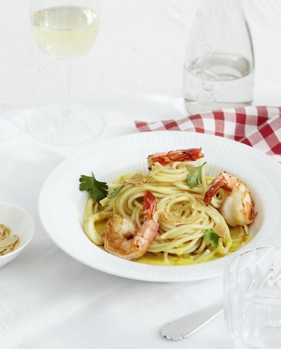Linguine mit Zitronensauce und Garnelen