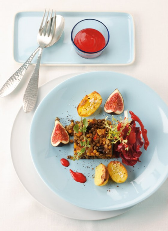 Linsen-Feigen-Salat mit Backobst und Frisée