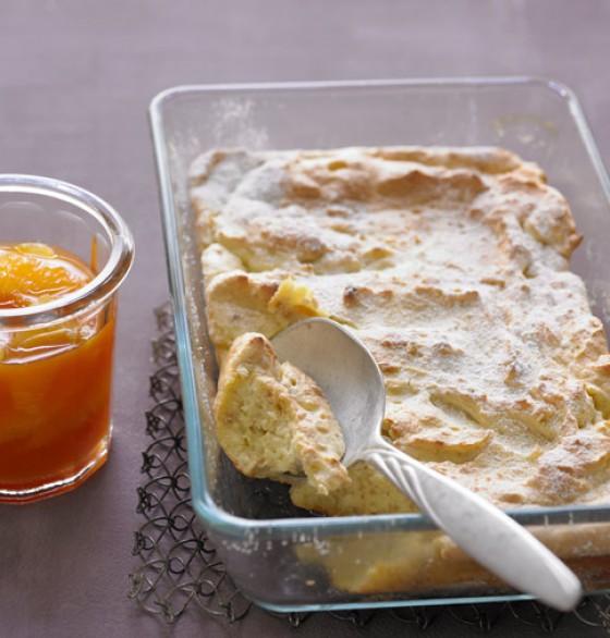 Mandel-Grießauflauf mit Orangensauce