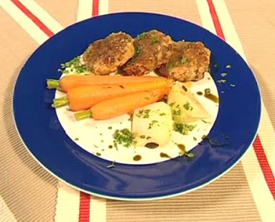 Möhren und Kohlrabi mit Käseknödeln
