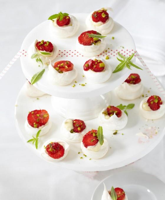 Pavlovas mit Erdbeeren