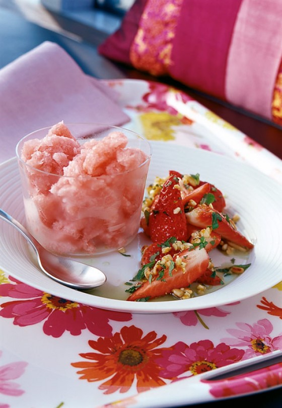 Rhabarbergranité mit Erdbeeren