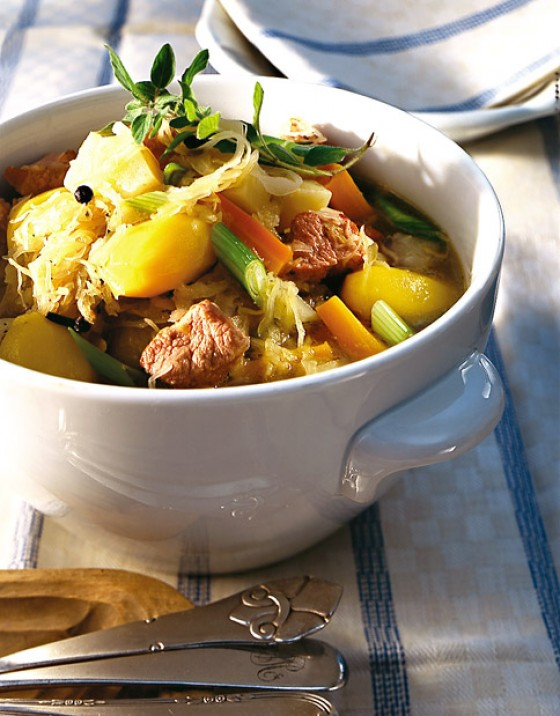 Sauerkraut-Eintopf mit Schweinenacken