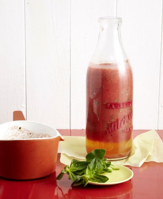 Scharfe rohe Tomatensauce