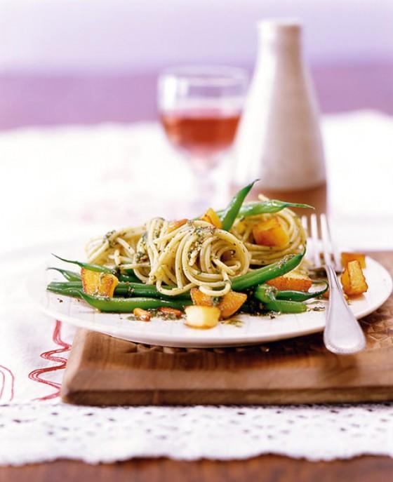 Spaghetti mit Pesto und Kartoffeln