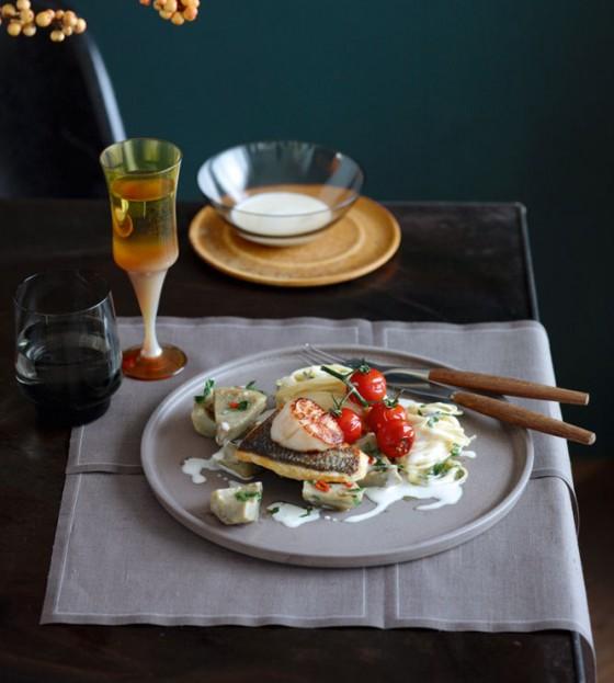 Spaghettini mit Specksauce, Artischocken und Dorade