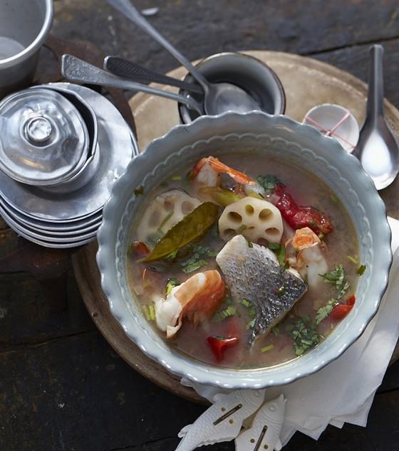 Süßsaure Fischsuppe