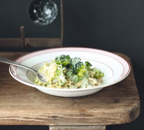 Tagliarini mit Broccoli und Mandelsauce