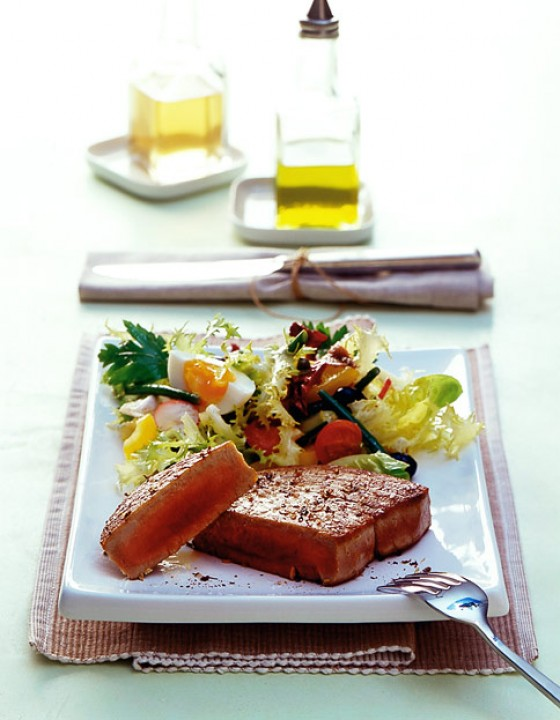 Thunfischsteaks mit nizza salat