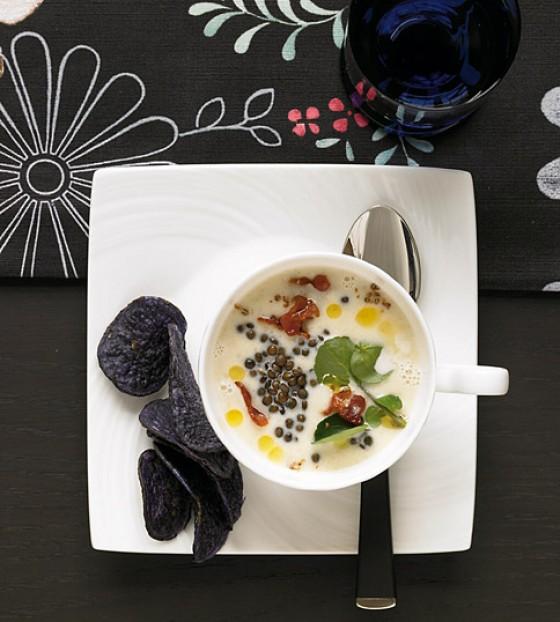 Topinambursuppe mit Belugalinsen