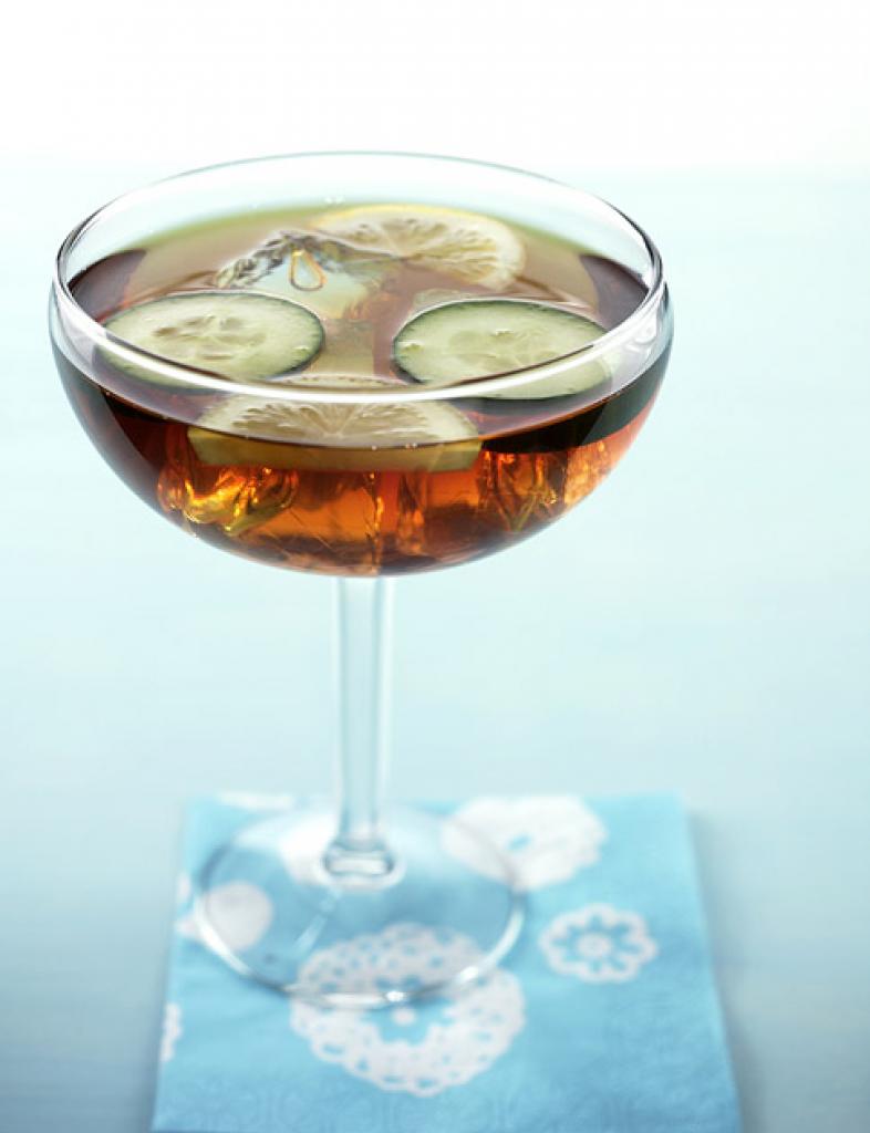 apple pimms rezept essen und trinken. Black Bedroom Furniture Sets. Home Design Ideas