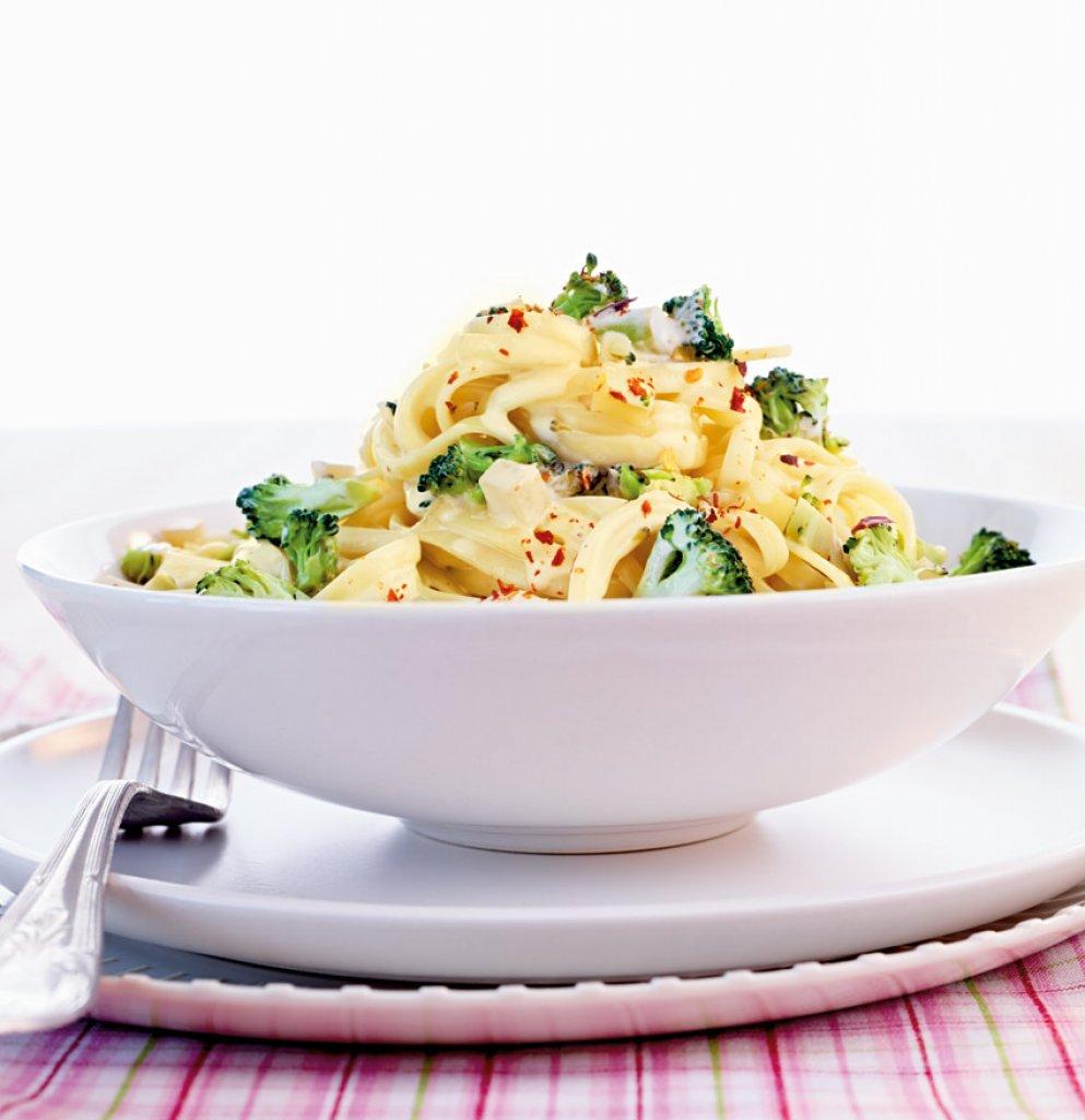 pasta vegetarisch oder mit fisch und fleisch essen und trinken. Black Bedroom Furniture Sets. Home Design Ideas